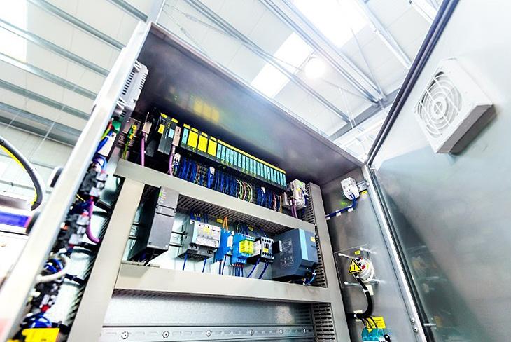 Industria de paneles de control
